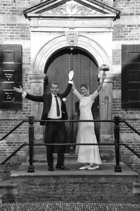 Juichende bruid & bruidegom